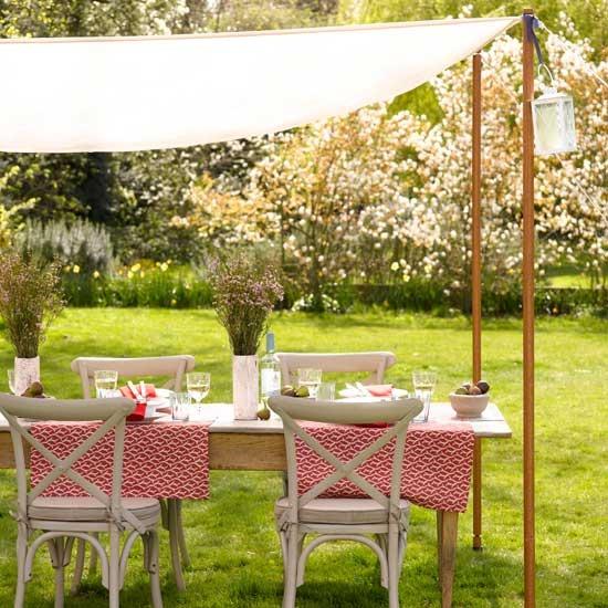 20 ideas-for-garden-outdoor-rooms-Hang-a-canopy